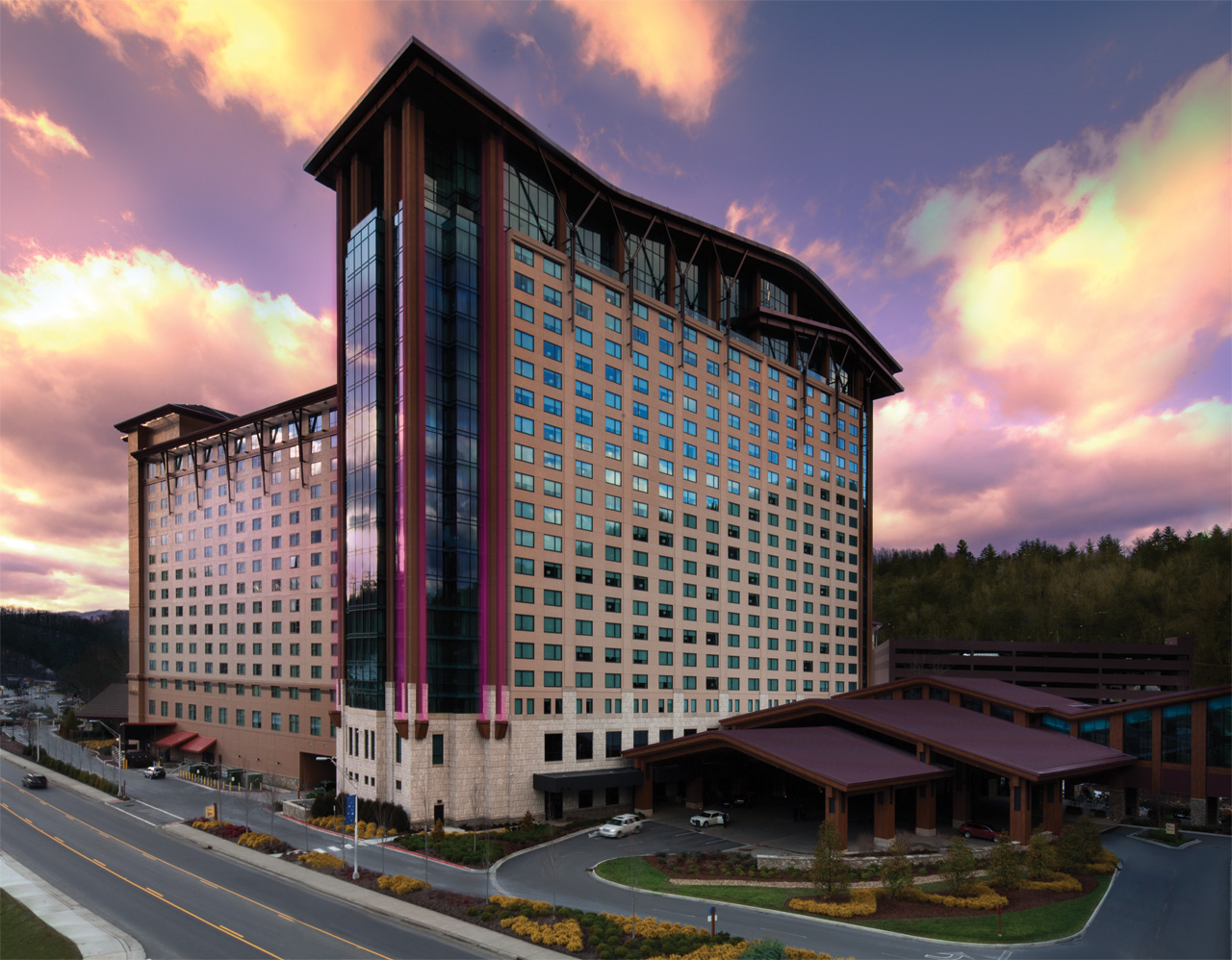 seven feathers hotel and casino resort