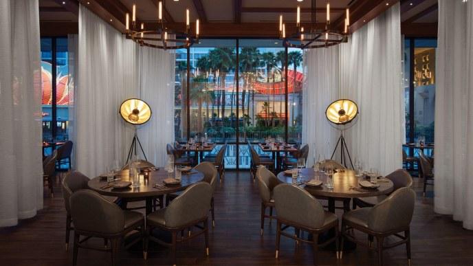 Gordon Ramsay Hell S Kitchen Caesars Palace Las Vegas