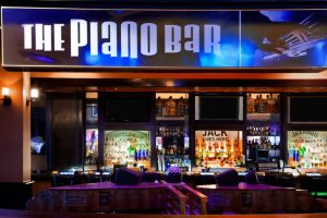 Harrahs-Las Vegas-Nightlife-The-Piano Bar-5