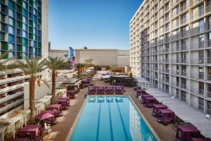 Harrahs-Las Vegas-Property-Pool-3