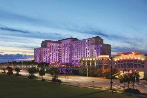 Harrahs-Gulf Coast-Property-Pool-LiveEntertaiment