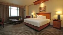 Harrahs-Joliet-Rooms-Standard-Room-Premium King-1