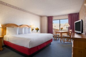 Harrahs-Laughlin-Room-Standard-Room-North Tower Classic-1