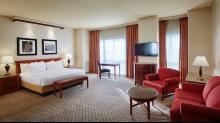 Harrahs-N. Kansas City-Rooms-Suite-junior-suite-2