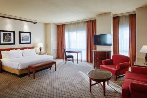 Harrahs-N. Kansas City-Rooms-Suite-junior-suite-1