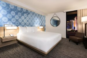 The-LINQ-Room-Standard-Room-15